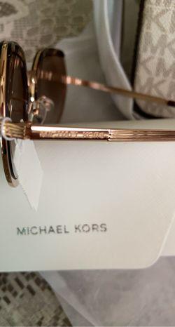 New!!!! Michael Kors Crossbody, Wallet And Glasses Thumbnail