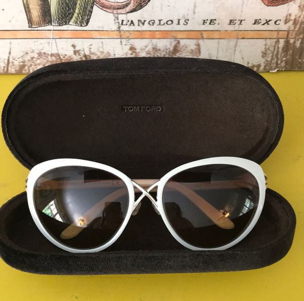 2a3ffeea719ed AUTHENTIC Tom Ford sunglasses for Sale in Swartz Creek