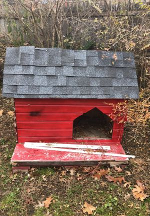 Free dog house for Sale in Silver Spring, MD