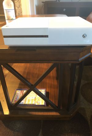 Xbox one (White) for Sale in Apex, NC