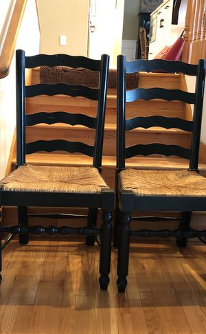 Table With 4 Chairs For Sale In Zephyrhills Fl Offerup