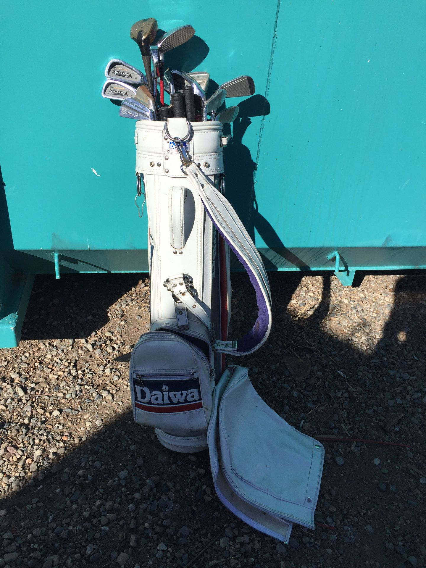 Daiwa White Leather Golf Bag with Balls and Set of Clubs