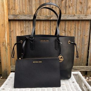 Kuqkkcunteffnm Shop for handbags and bags in india buy latest range of handbags and bags at myntra free shipping cod easy returns and exchanges. https offerup com explore sck tx mcallen tote bag