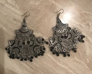 Designer Asian Detail Fan Metal Bead Dangle Earrings Vintage Antique wholesale jewelry for Sale in Los Angeles, CA