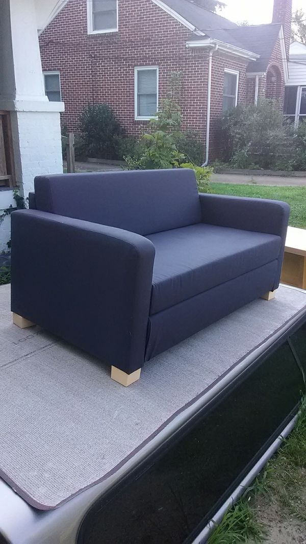 Super Nice Ikea Loveseat Excellent Condition Looks New 54 Wide For