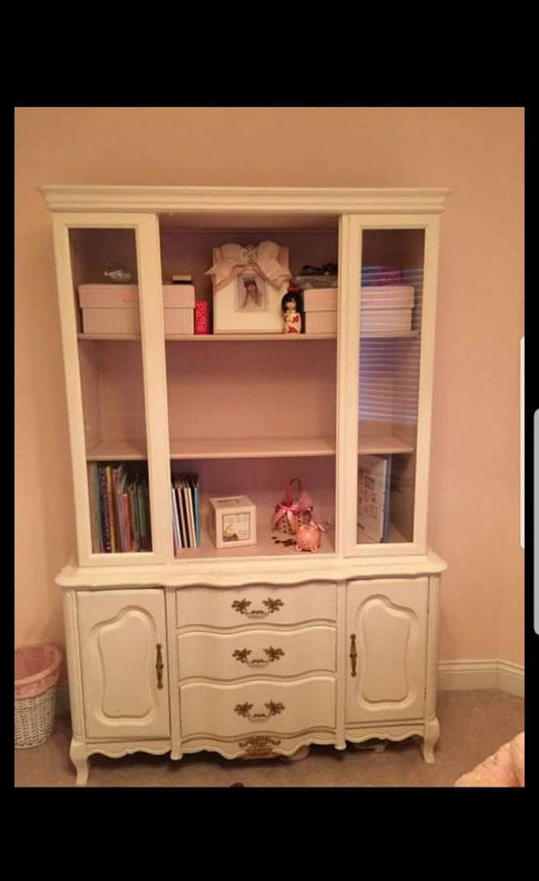 Dresser Book Shelf Hutch Furniture In Westmont IL