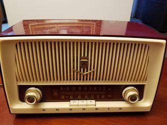 Grundig Majestic Table Radio Thumbnail