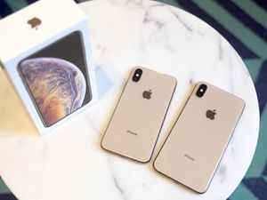 Iphone xs max,256 gb, color gold, factory unlock for Sale in Annandale, VA