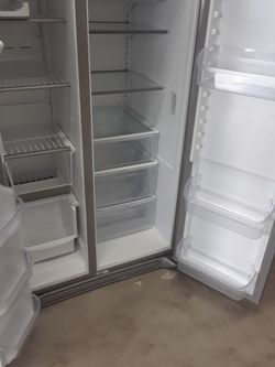 NEW FRIGIDAIRE GALLERY STAINLESS STEEL REFRIGERATOR Thumbnail