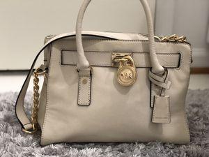 Michael Kors medium size hand bag for Sale in Gainesville, VA