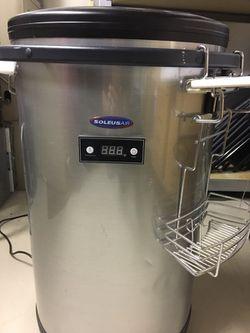 Rooling outdoor refrigerator Thumbnail