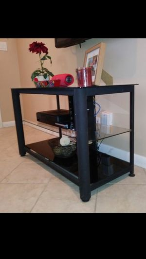 Tv Stand / Tv Table for Sale in Fort Lauderdale, FL