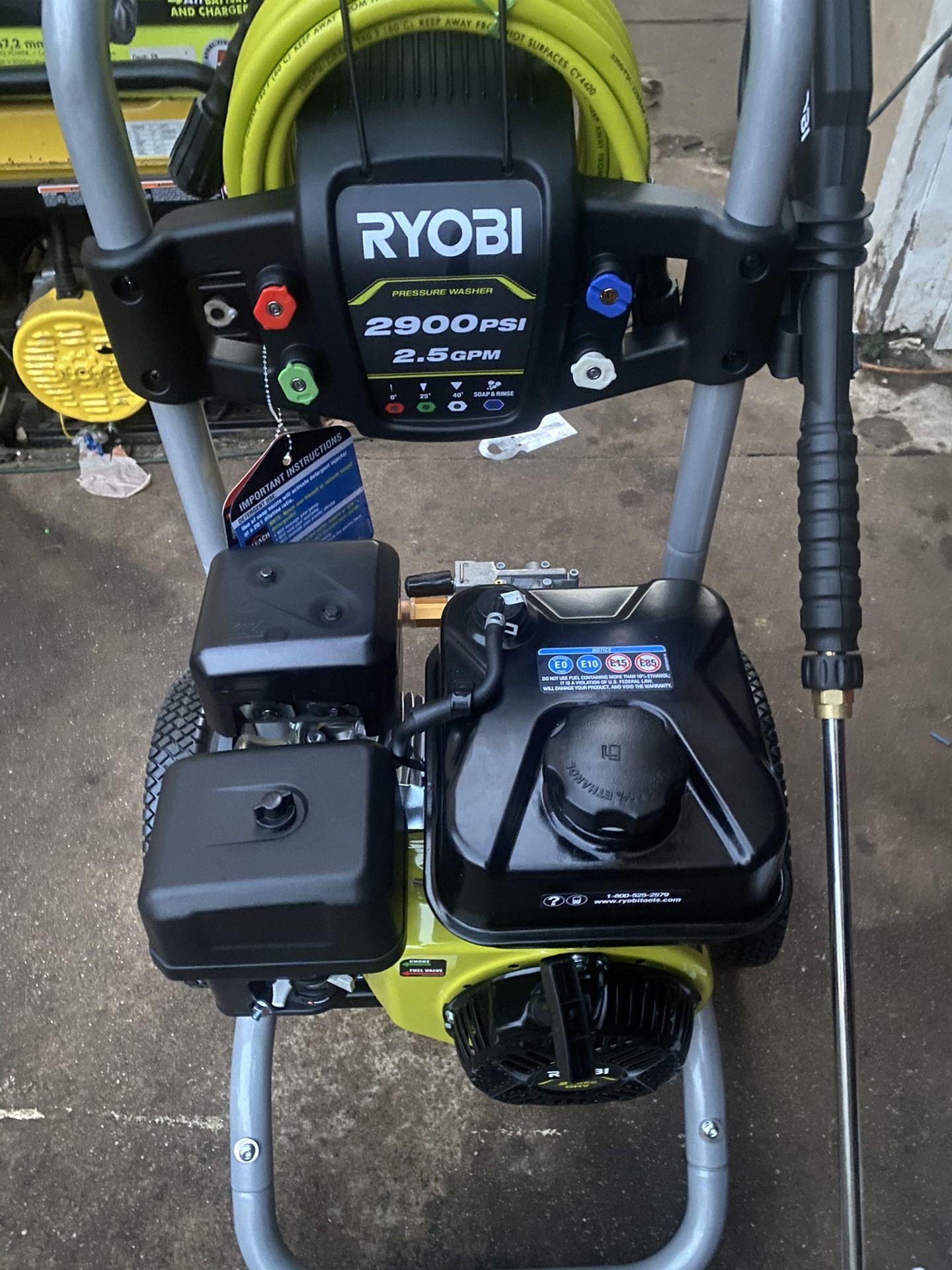 RYOBI 2,900 PSI 2.5 GPM Cold Water Gas Pressure Washer