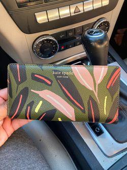 Brand new Kate spade wallet Thumbnail