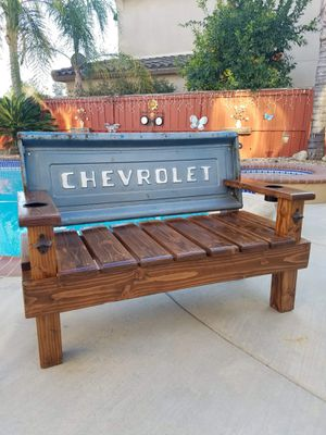 Photo Custom made Chevy truck tailgate bench