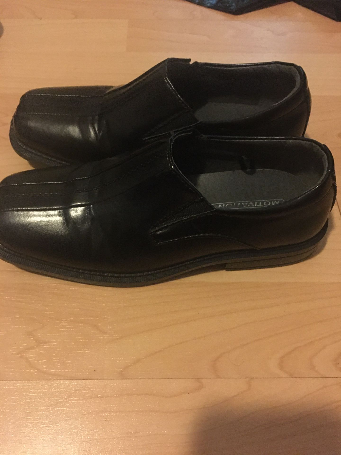 Deer stag boys dress shoes size 2