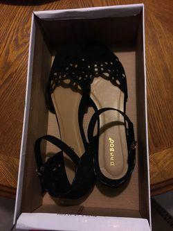 Women/girl shoes Thumbnail