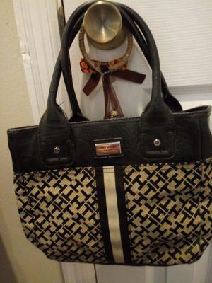 Tommy Hilfiger Handbag/Purse.. for Sale in Madison Heights, VA