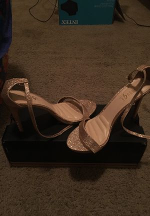 Rose Gold Glitter heels, size 8 1/2 for Sale in Oxon Hill, MD