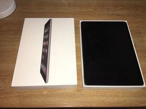16GB Apple iPad Air - Black w/ Vera Bradley Case for Sale in Frederick, MD