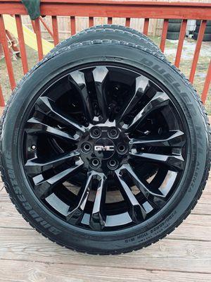 Photo New 22 inch black wheels with used tires (hablo español)
