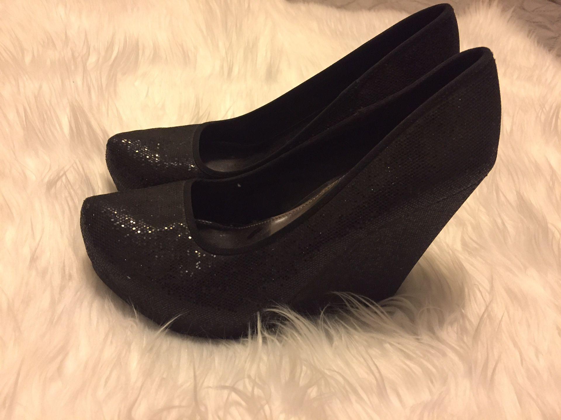 Woman Black Glitter Wedges 8 1/2
