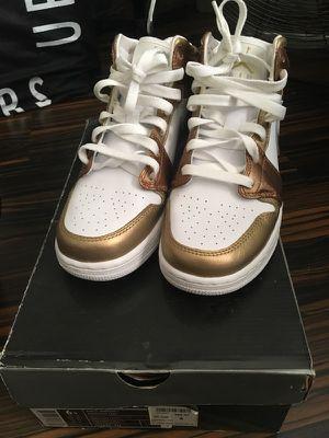 Jordan retro 1 white/gold size 6 for Sale in Coronado, CA