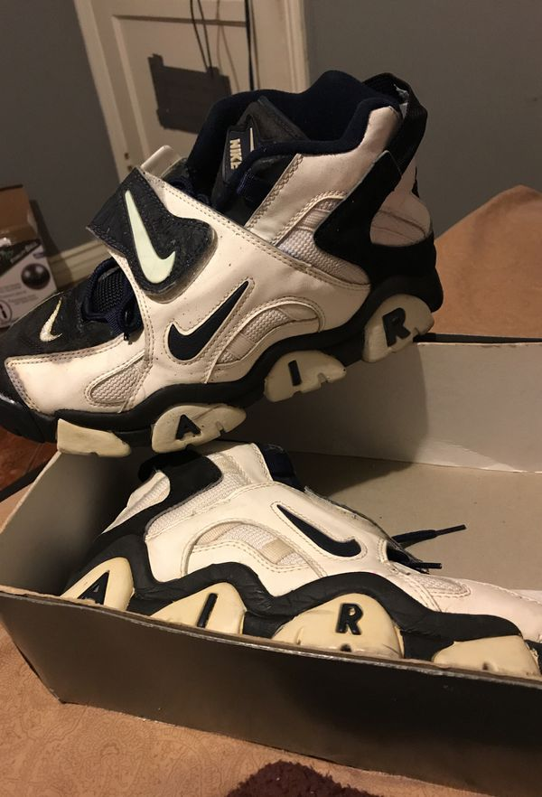 newest af65f bb365 Rare 1995 Nike air barrages size 11 for Sale in Compton, CA - OfferUp