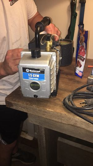 MASTER COOL 1.5 CFM VACUUM PUMP for Sale in Burlington, NC