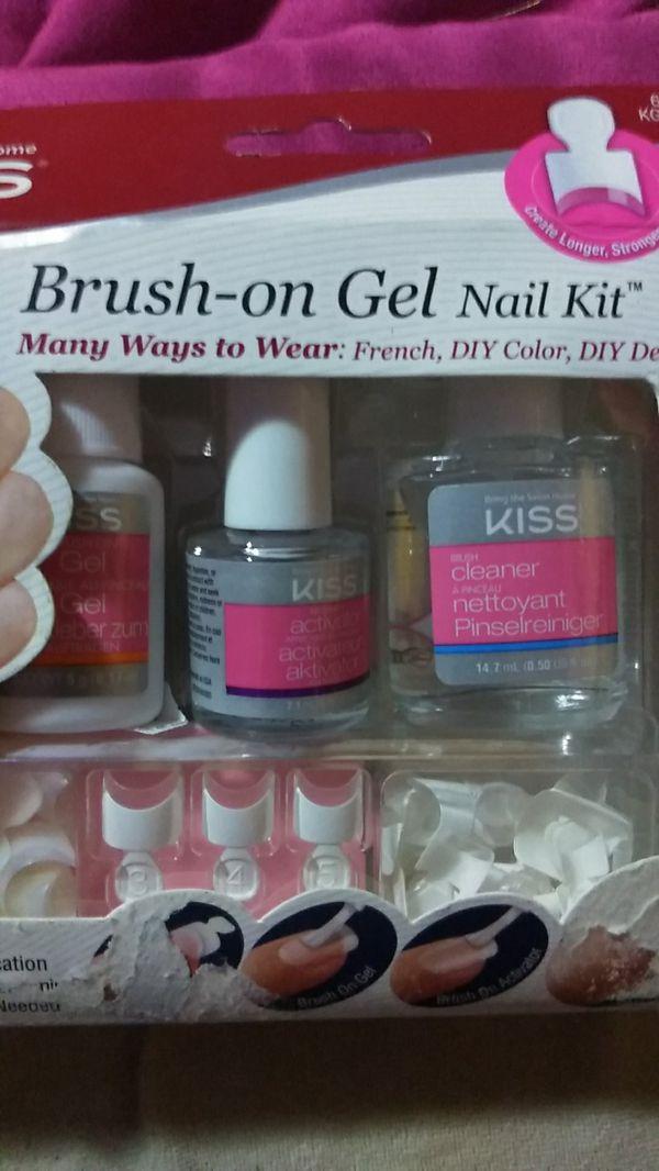 Kiss brush on gel nail kit for Sale in Spokane, WA - OfferUp