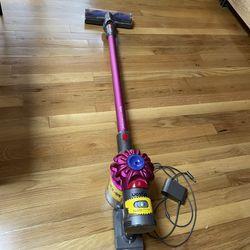 Dyson Vacuum V7 Cordless  Thumbnail