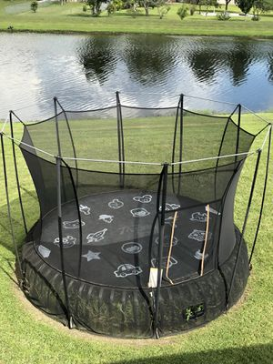 Vuly Thunder Trampoline XL for Sale in Kissimmee, FL