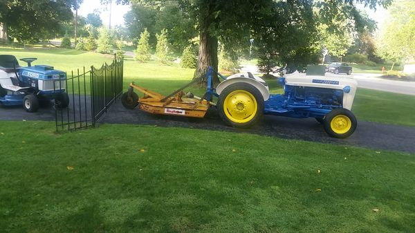 Ford 2000 lcg tractor for Sale in Valley City, OH - OfferUp