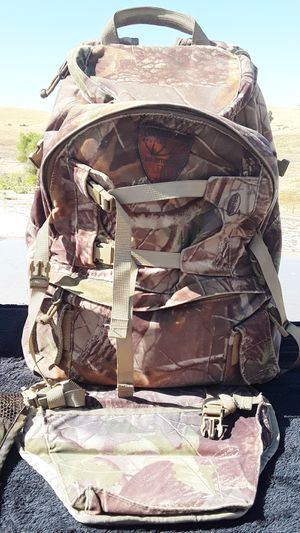 CROOKED HORN OUTFITTERS SPECIALTY PACK for Sale in Fresno, CA