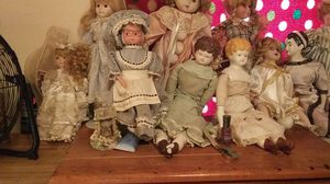 Photo Have 17 but few more mardgra dolls in box need cell. What I couldn't get in n messed I put in free