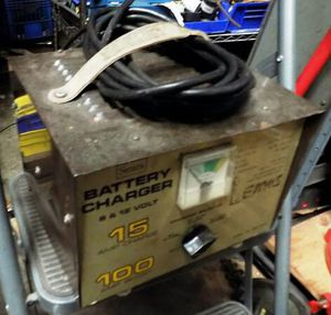 Photo SEARS 934-71580 BATTERY CHARGER 6 and 12 V, 100 Amp Boost