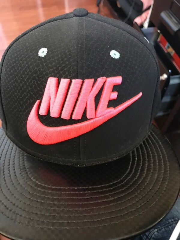 Nike snap back hat (Clothing   Shoes) in Palmdale db728bbd9d0