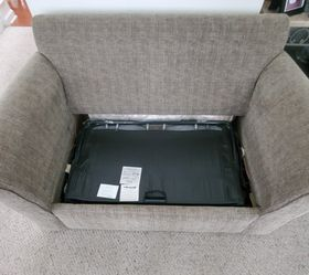 Broyhill pull bed and couch Thumbnail