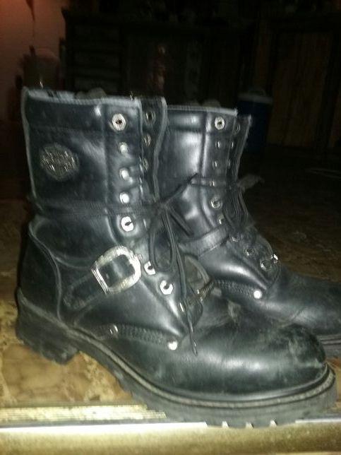 Photo Pair of Harley Davison riding boots size 10 like brand new
