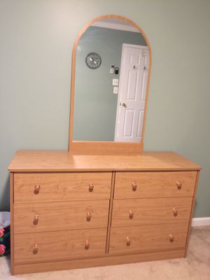 GOOD condition Twin bed with frame, dresser and mirror for Sale in Manassas, VA