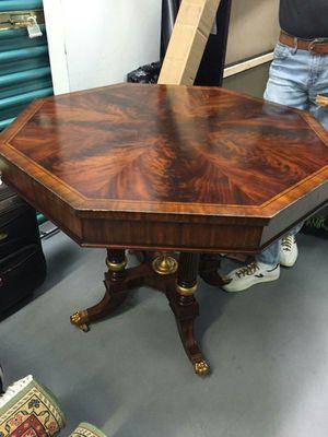 Mesa antigue bellísima única for Sale in Hialeah, FL