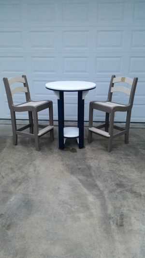 Poly hi top table with 2 chairs for Sale in Manchester, MD