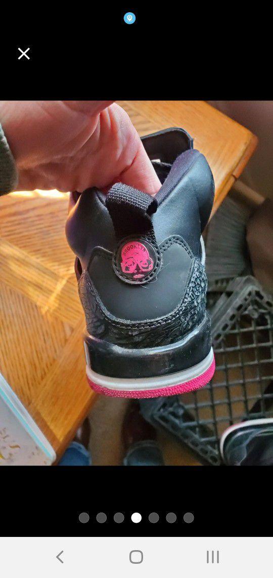 Woman Jordans Shoes Size 7y