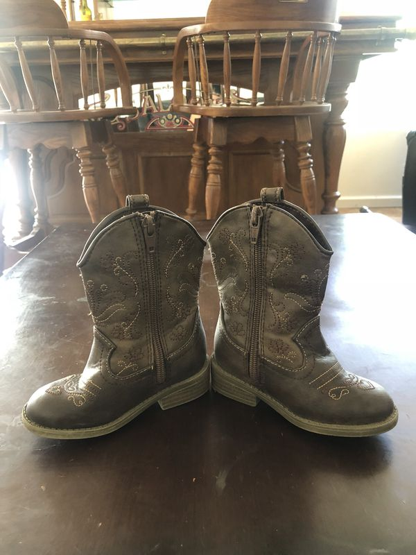 424879b16 Cowgirl boots for Sale in Victorville