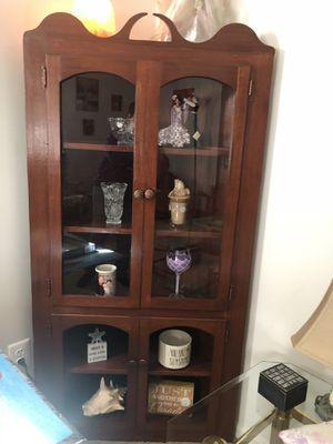 Antique corner cabinet for Sale in Warrenton, VA