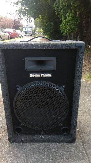 RadioShack '15 subwoofer with high temp voice coil,and piezo super horn for a tweeter 100 watts rms/200watts peak power with the speaker box included for Sale in Seattle, WA