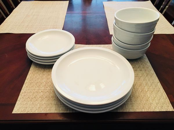 Pottery Barn Suppertime Plate And Bowl Set For Sale In San