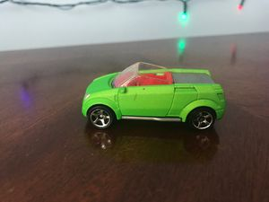 Photo Matchbox Opel Frogster lime green die cast size 1:56 Made in Thailand