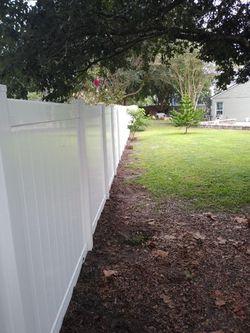 vinyl fence Thumbnail
