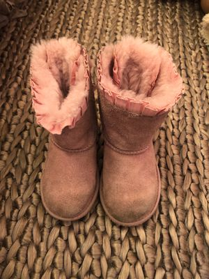 New and Used Toddler ugg boots for Sale in San Tan Valley